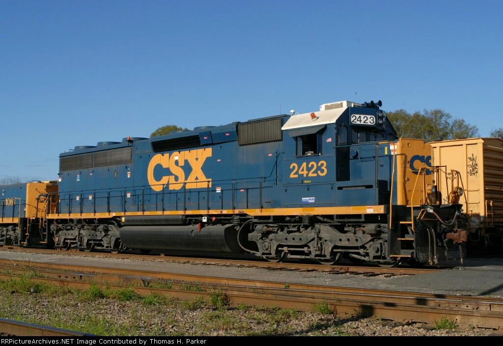 CSXT 2423 SD40-2 (SD45-2)