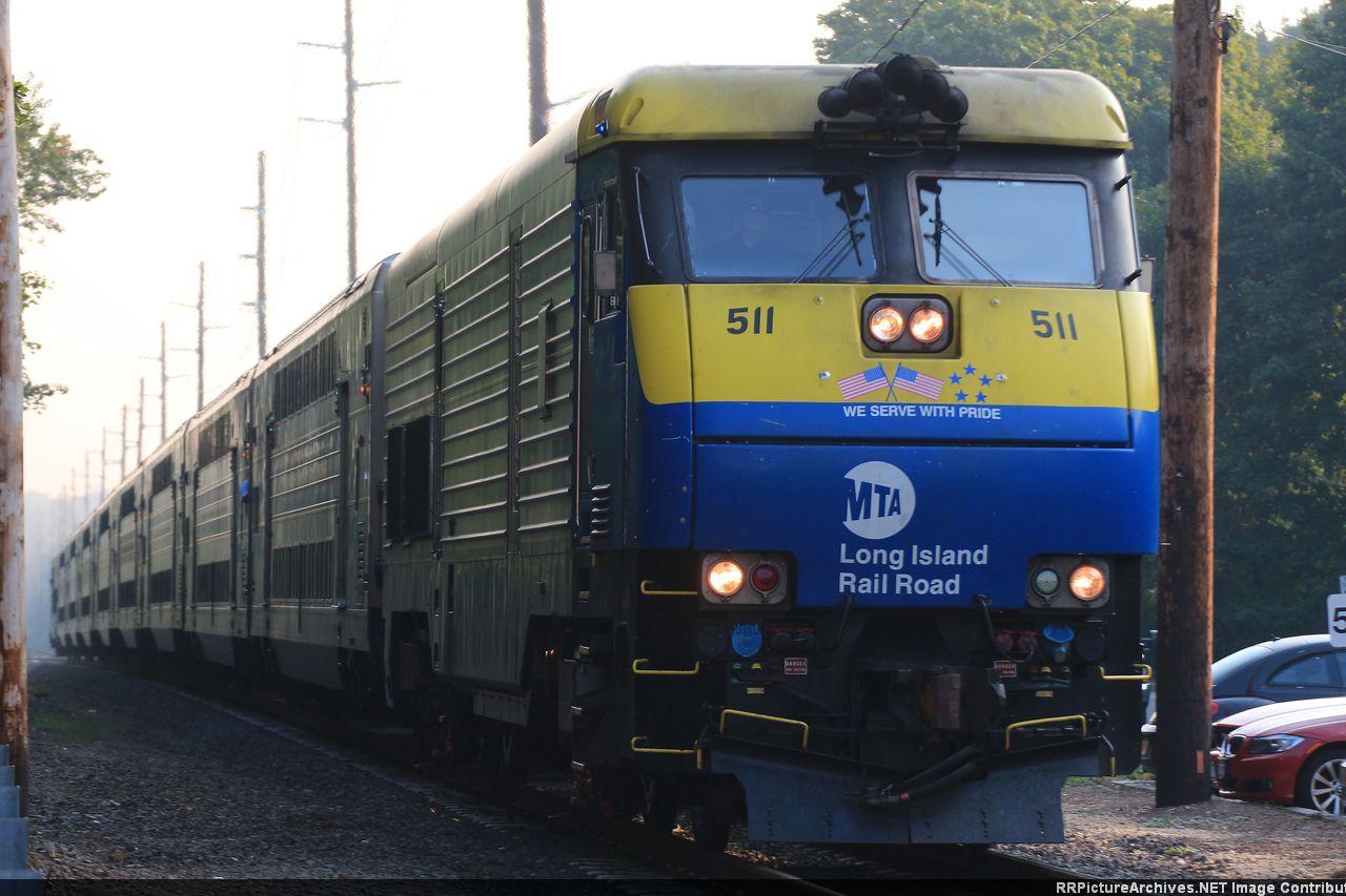 DM30AC_511_505_8_Cars_Train_615_MP50_St_