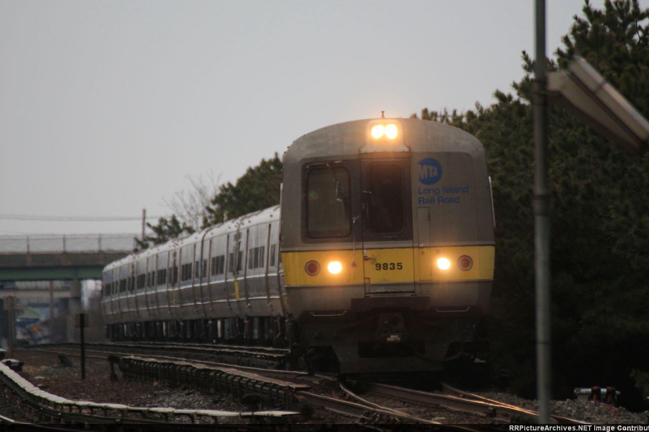 M3_9835_10_Carw_Train_5051_Pond_Road_KO_