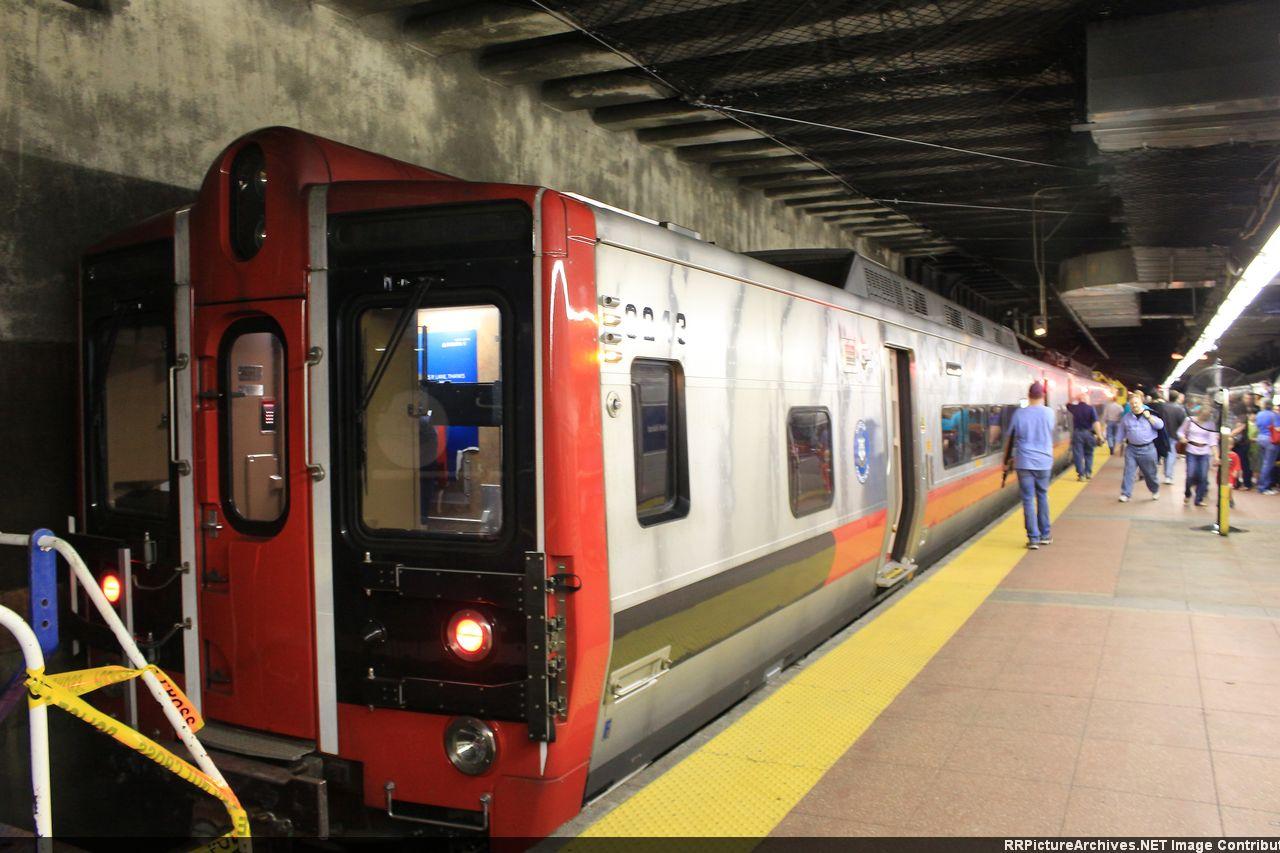 M8_9243_9242_GCT_Exhibit_Parade_Of_Train