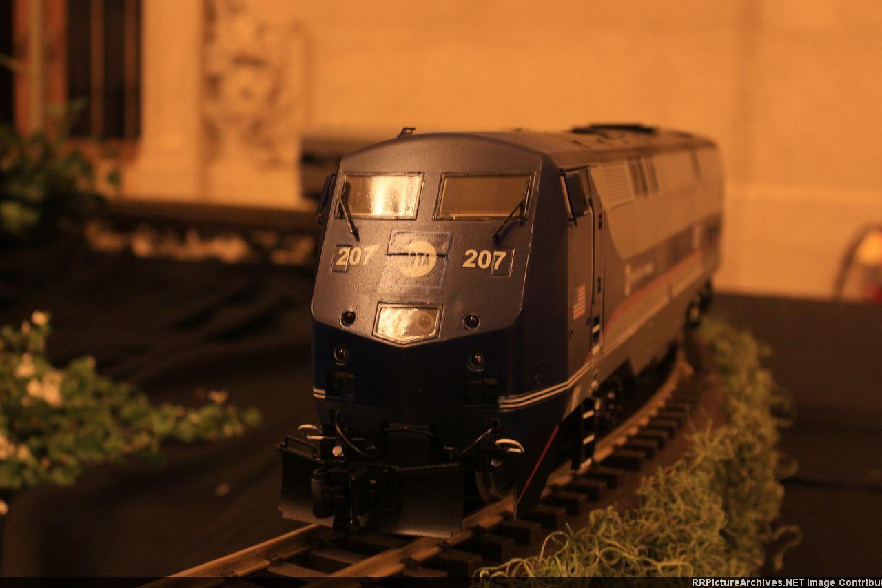 O_Scale_P40_Metro_North_Dark_Scheme_POT.
