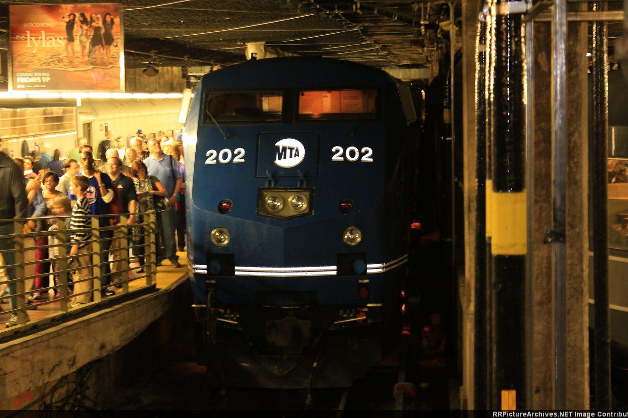 P32AC-DM_202_GCT_POT.JPG